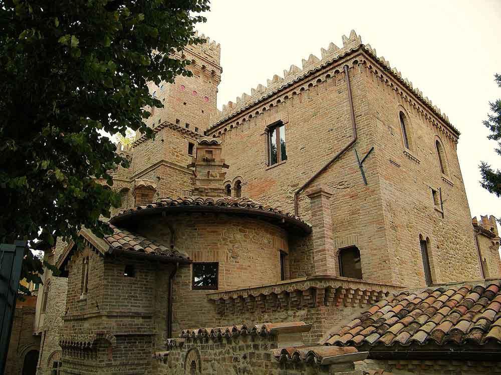 Castello-Della-Monica-3