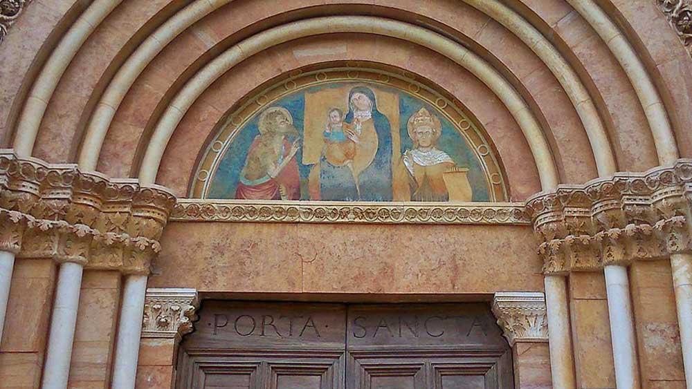 Basilica_Collemaggio_1