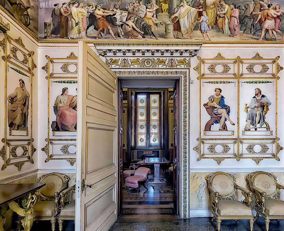 Замок Раккониджи - загородная резиденция королевской семьи