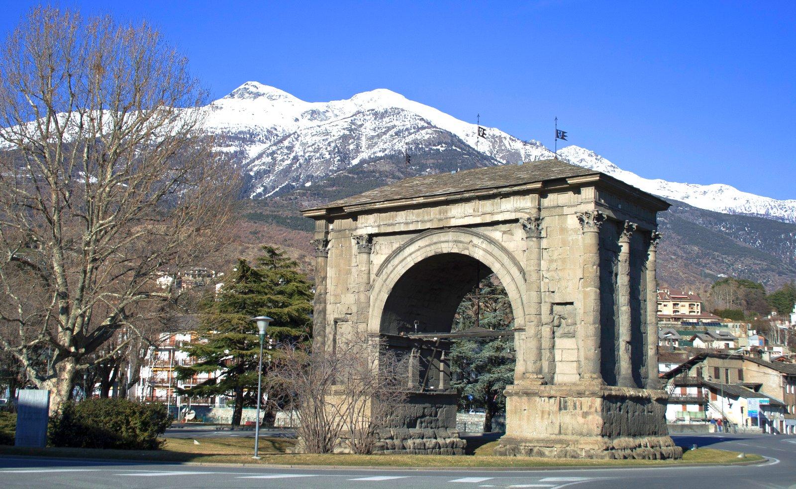 Arco di Augusto_3