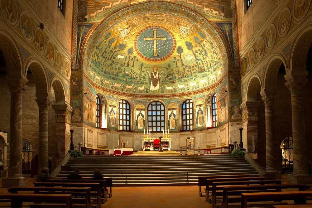 мозаики равенны в Базилика Сант Аполлинаре ин Классе