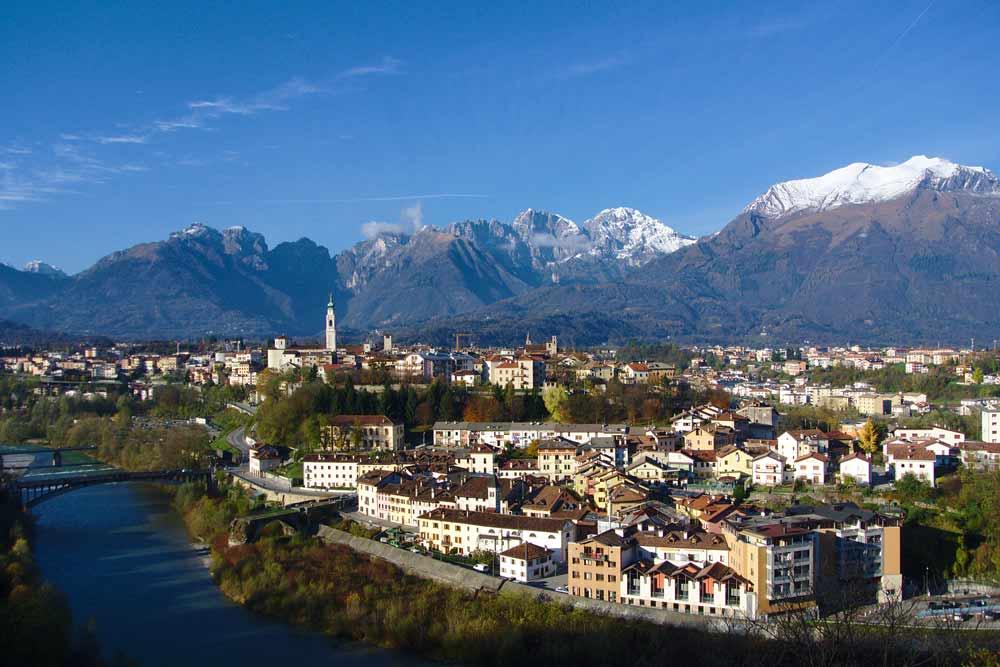 Панорама Беллуно регион Венето Доломиты