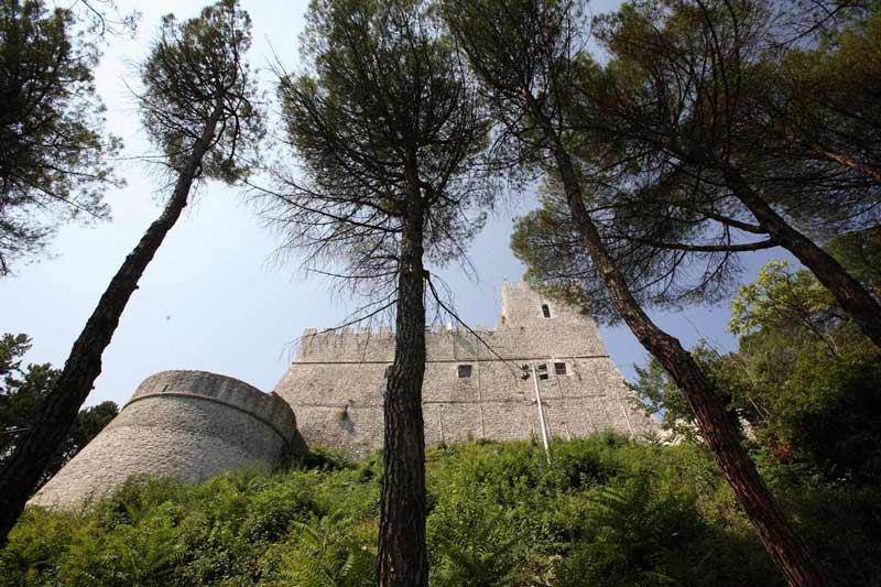 Замок Монфорте Кампобассо Молизе