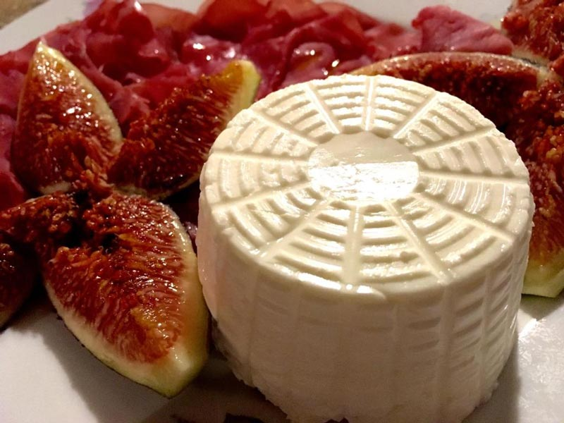 Агроферма Podere Capannacce био продукты сыр