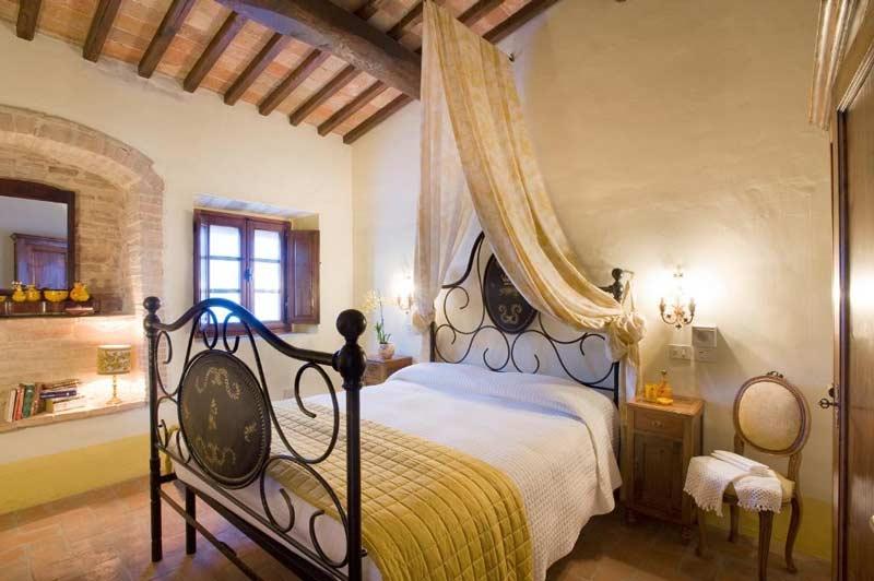 Поместье De' Cortesi спальня