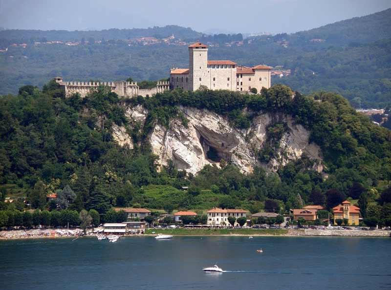 Озеро Маджоре замок