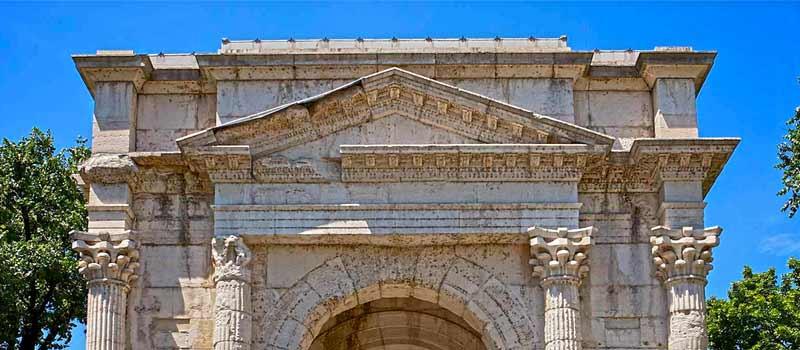 Древняя арка лей Гави в Вероне