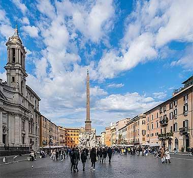 площадь навона, площадь навона в риме, площадь навона фонтаны, церковь на площади навона, фонтан мавра на площади навона, площадь пьяцца навона