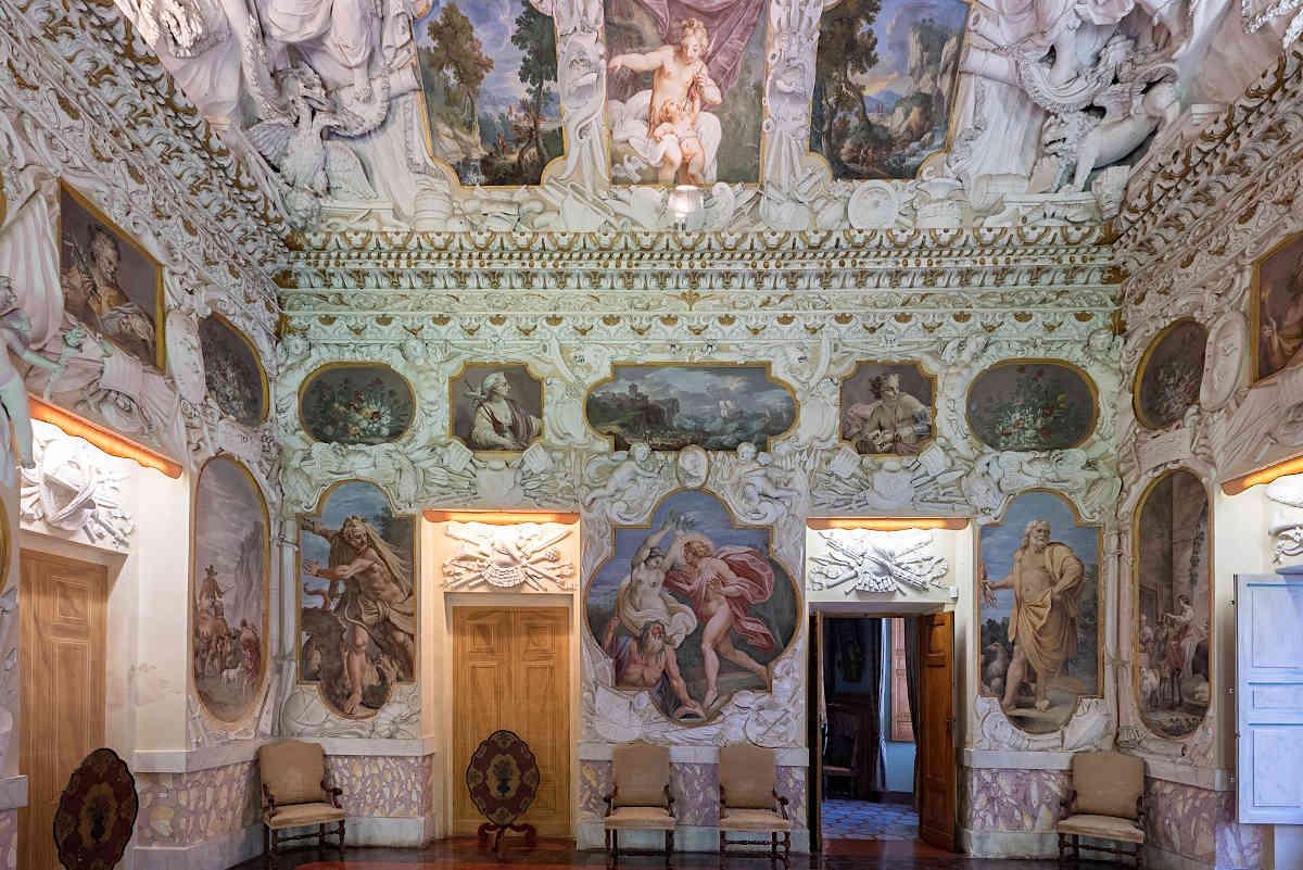 замки италия, рокка мели лупи