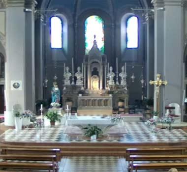 Приходская церковь в Буссеро: прямая трансляция