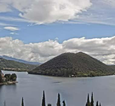 Озеро Пьедилуко: онлайн камера